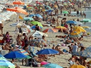 Британски лекари заклеймиха почивката на плажа
