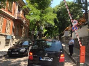 Абсурд! Пловдивчанка дава стотици левове за пропуски, за да ремонтира къщата си в Стария град