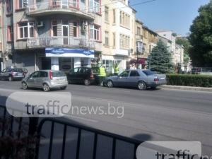 """Полицаи подпукаха спрелите """"за малко"""" на бул. 6 септември"""" СНИМКИ"""
