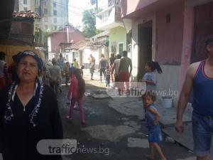 Лидер на ДПС в Пловдив зазида вход към ромски къщи, поникнали върху общинска улица ВИДЕО