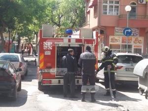 Супермаркет пламна в Пазарджик, клиенти се евакуират