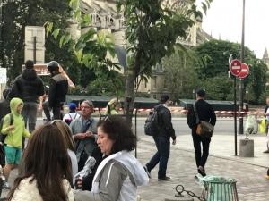 """Стрелба в Париж! Катедралата """"Нотр Дам' е под обсада ВИДЕО"""