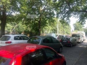 Прелезът на Пещерско шосе се… счупи! Пловдивчани пак на нокти СНИМКИ
