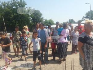 Бутат незаконните къщи на разбунтувалите се роми в Пловдив, правят пряка връзка до моста на Адата ВИДЕО