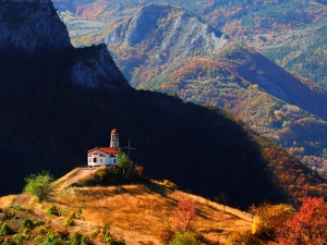 Открийте магията на Родопите в село Борово! Само на 50 км от Пловдив СНИМКИ