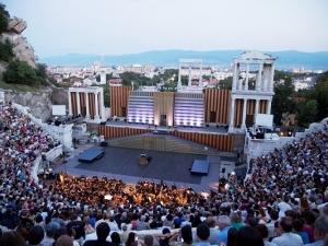 Бляскаво откриване на фестивала Opera Open в Античния тази вечер