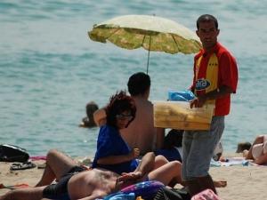 Погнаха търговците на кукуруз и мекици по черноморието