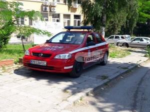 В търсене на сянка полицай кацна на тротоар в Пловдив