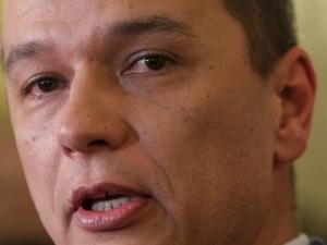 Румънското правителство се разпадна, премиерът не подава оставка