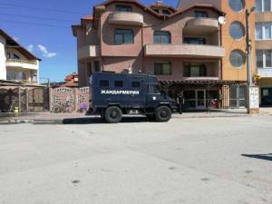 Мащабна акция в Пазарджик и Пещера, запечатаха 16 магазина СНИМКИ