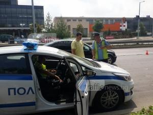 Десетки пловдивчани биват спирани от полицията, проверяват и пасажерите СНИМКИ