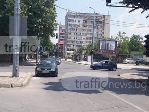 Шофьор заряза колата си на кръстовище край Гребната СНИМКА