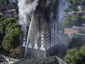 Пожарът в Лондон: Пестени са пари при строежа на блока