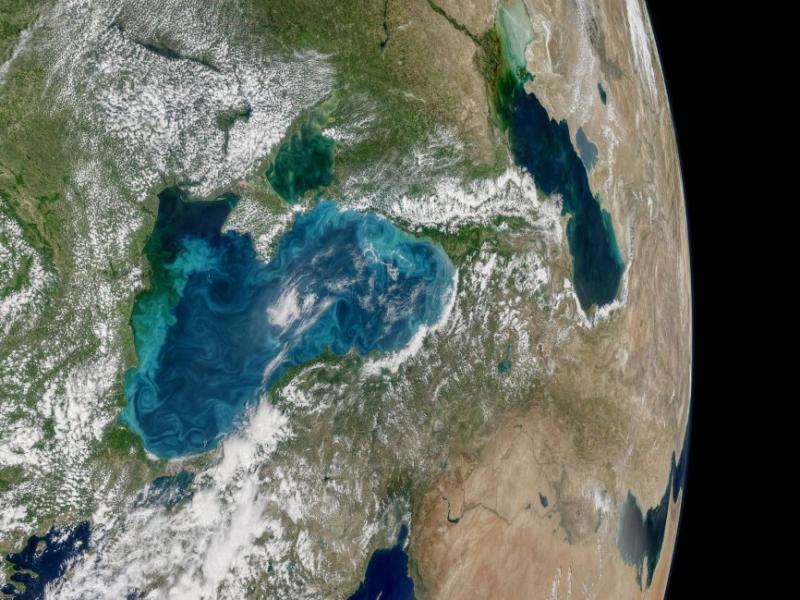НАСА: Черно море променя цвета си
