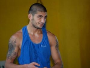 Арман Хакобян боксира на европейското тази вечер