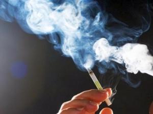 България е на първо място в света по пушещи ученички