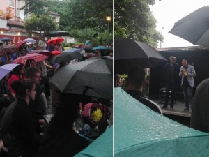 Четене под дъжда: Георги Господинов омагьоса десетки пловдивчани СНИМКА