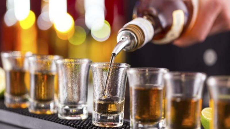 Масова практика на Черноморието: Разреждат алкохола с вода