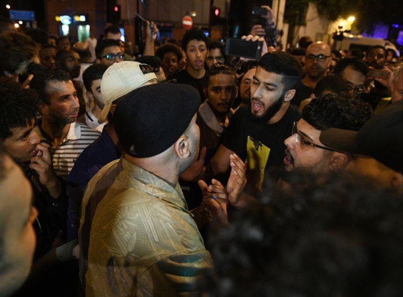Кадри от атаката в Лондон: Гневни граждани задържат нападателя