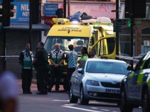 Арестуваха шофьорa на буса, връхлетял върху мюсюлмани в Лондон СНИМКИ и ВИДЕО