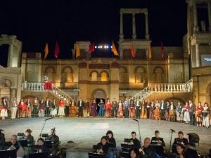 """Балетът """"Ромео и Жулиета"""" събира стотици пловдивчани на Античния театър тази вечер"""