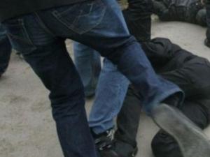 Петима нападнаха и ограбиха посред бял ден 21-годишен пловдивчанин