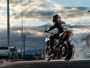 Италиански моторист забрави жена си, измина 40 км преди да се усети