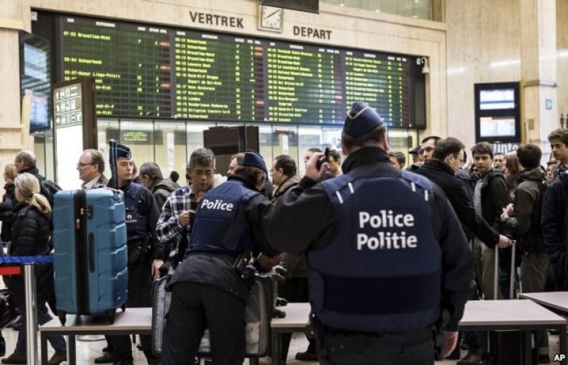 Четирима са задържани за атентата на гарата в Брюксел