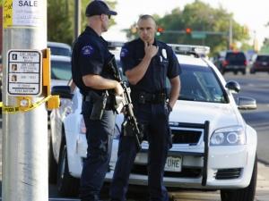 Атака на летище в САЩ: Ислямист намушка полицай