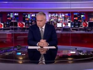 Американски водещ мълча четири минути в ефир заради техничен гаф ВИДЕО