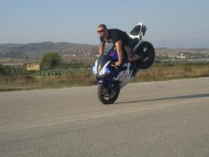 Двама мотористи загинаха след удар с джип