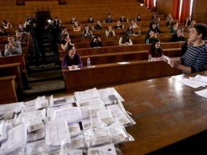 Кандидат-студенти се борят да са част от новата вълна журналисти в България