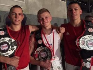 Двама близнаци на финалите на европейското по бокс