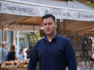 Студент обвини Ани Цолова за обида срещу УНСС, поиска извинение в ефир
