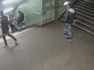 Българинът, ритнал жена в берлинското метро, си призна