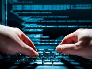 Хакерите не спират, стотици компании паднаха под удара на кибератака