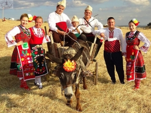 """Големият събор """"Хайдут Генчо"""" край Хисаря започва! Очакват се 5000 посетители СНИМКИ"""