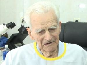 Лекар на 94 години: Не пуша, не пия, последното ще го скрия