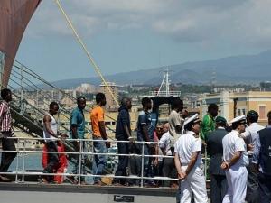 Италия се закани: Край на корабите с мигранти на пристанищата в страната