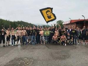 Арестуваха цял автобус с фенове на Ботев в Македония, депутати и дипломати пътуват към тях