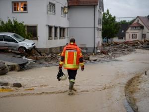 Проливни дъждове наводниха улици и блокираха магистрали в Германия