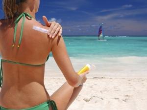 Плажни масла удрят по нивото на женските полови хормони