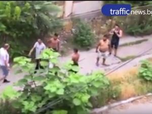 ВИДЕО показва масовия бой пред Спешното в Асеновград