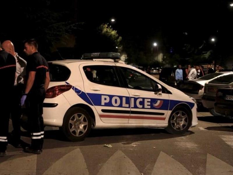 Осем ранени след стрелба пред джамия