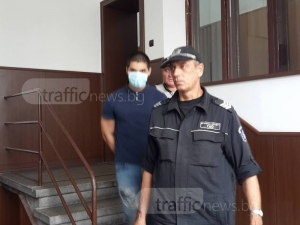 Асен, който блъсна и уби жена в Пловдив, избягал, за да търси съвет и помощ СНИМКИ