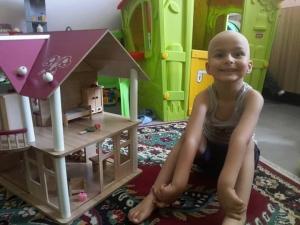 Малкият Криско, който се бори с рак на небцето, има нужда от нас! СНИМКИ