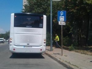 Инцидент в пловдивски автобус! Двама са в болница след резки спирачки СНИМКА