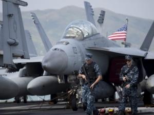 Разби се американски военен самолет, има загинали