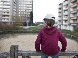 Полиция и близки са шашнати: дете подари хиляди евро на непознати
