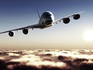 Диспечер спаси стотици, след като самолет опита да се приземи на писта за излитане
